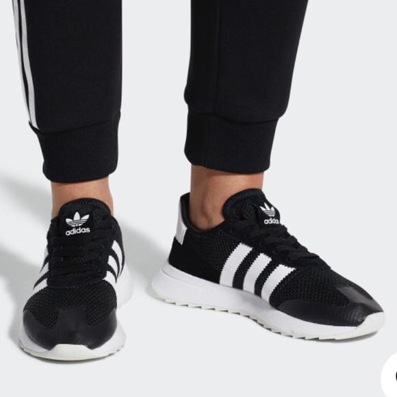 buy online 53896 7611a adidas Shoes - Adidas Originals Flashback Shoes 7.5
